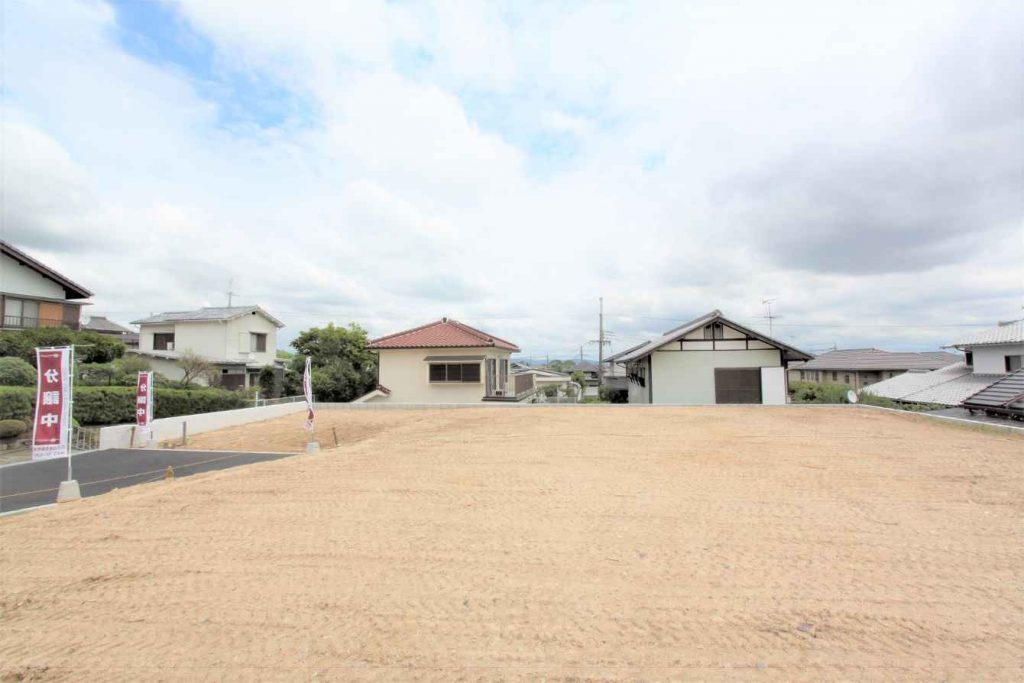 A 236.80㎡ parcel of land in Shin Senri Kita-cho of Toyonaka City. The lot was sold on January 22, 2020 for ¥48,000,000.